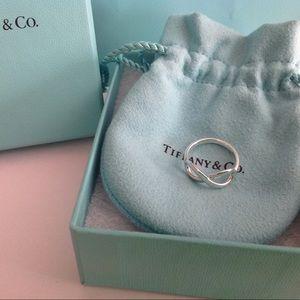🐰Tiffany & Co. Infinity Ring